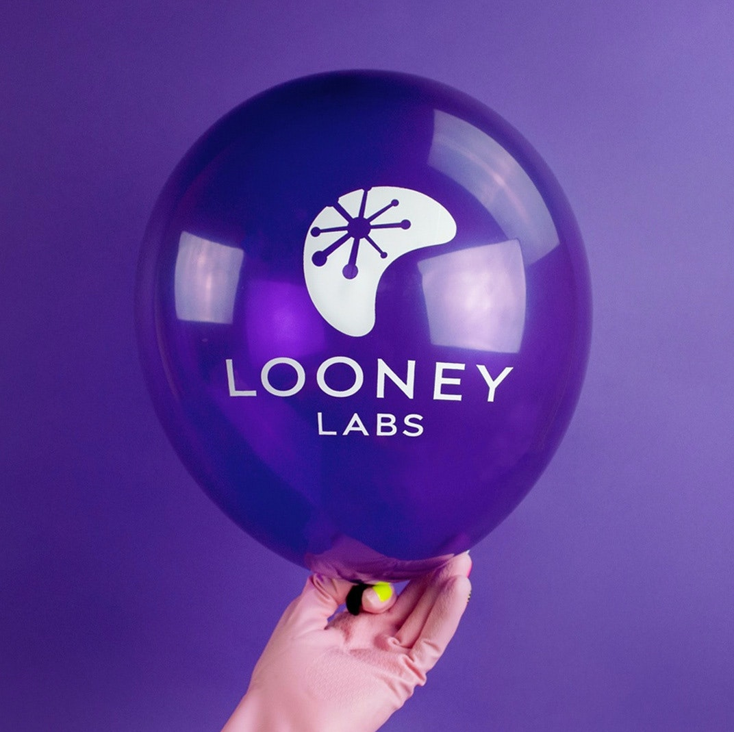 Looney Labs Thumb